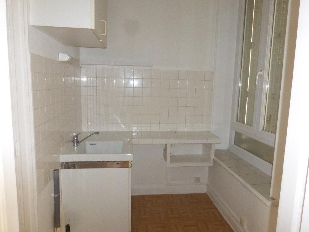 Appartement à louer 2 35.09m2 à Reims vignette-3
