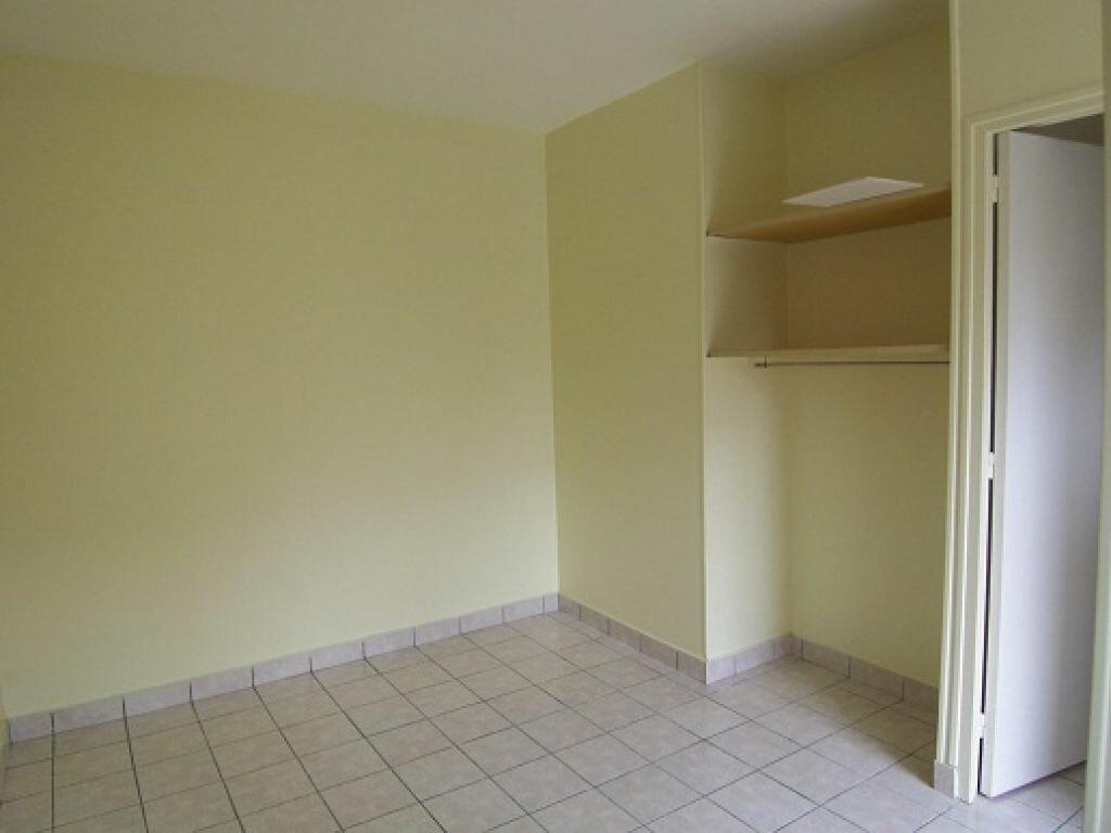 Appartement à louer 1 18m2 à Taissy vignette-2