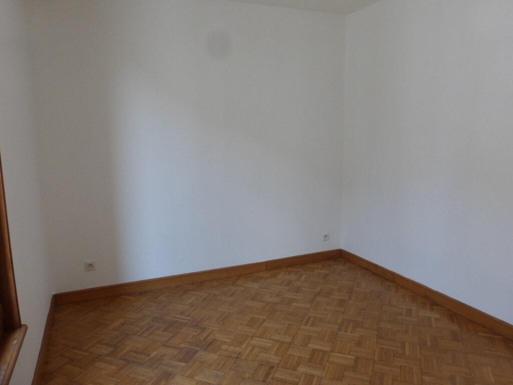 Appartement à louer 3 57m2 à Reims vignette-4