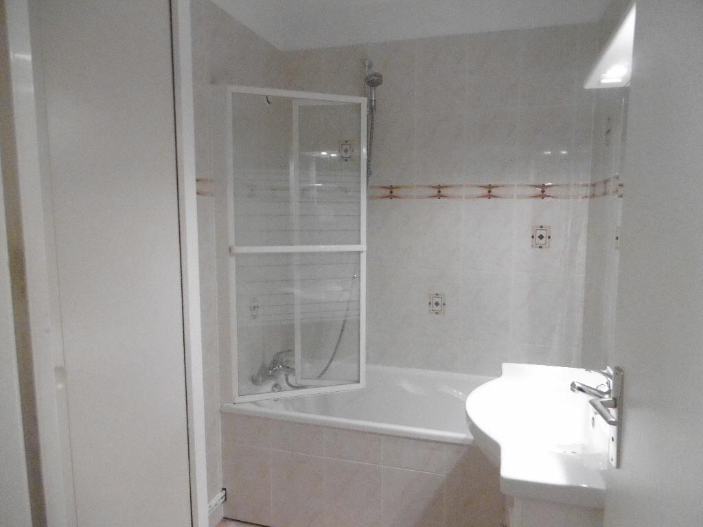 Appartement à louer 3 67.58m2 à Reims vignette-5