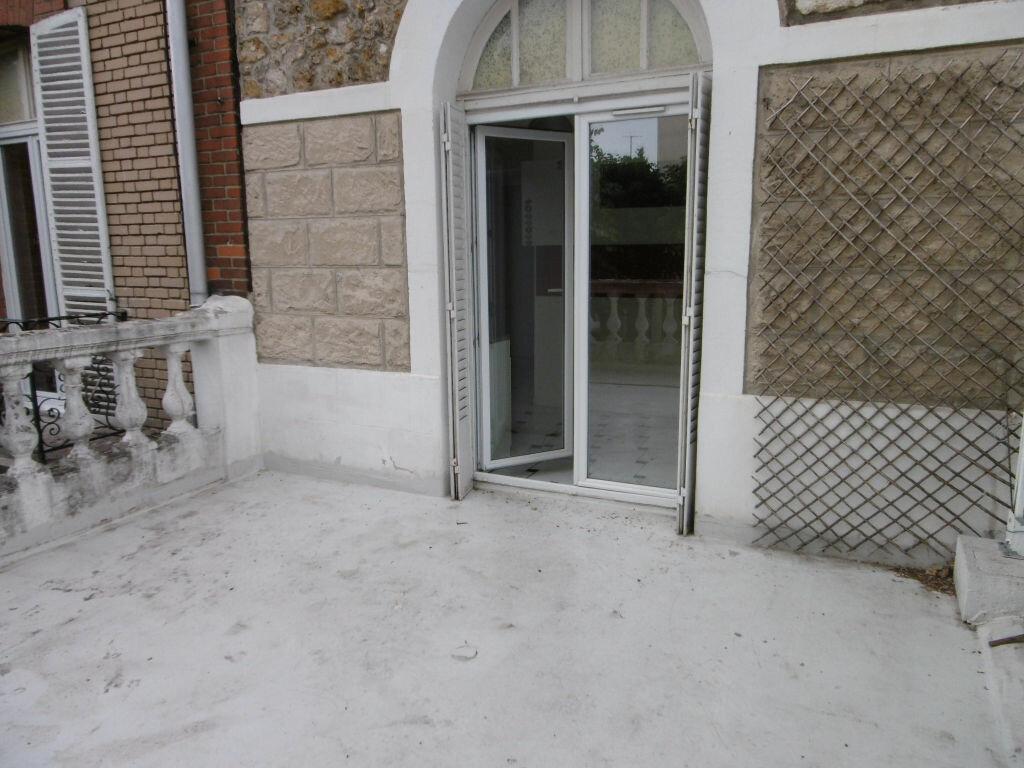 Appartement à louer 2 42.22m2 à Reims vignette-1