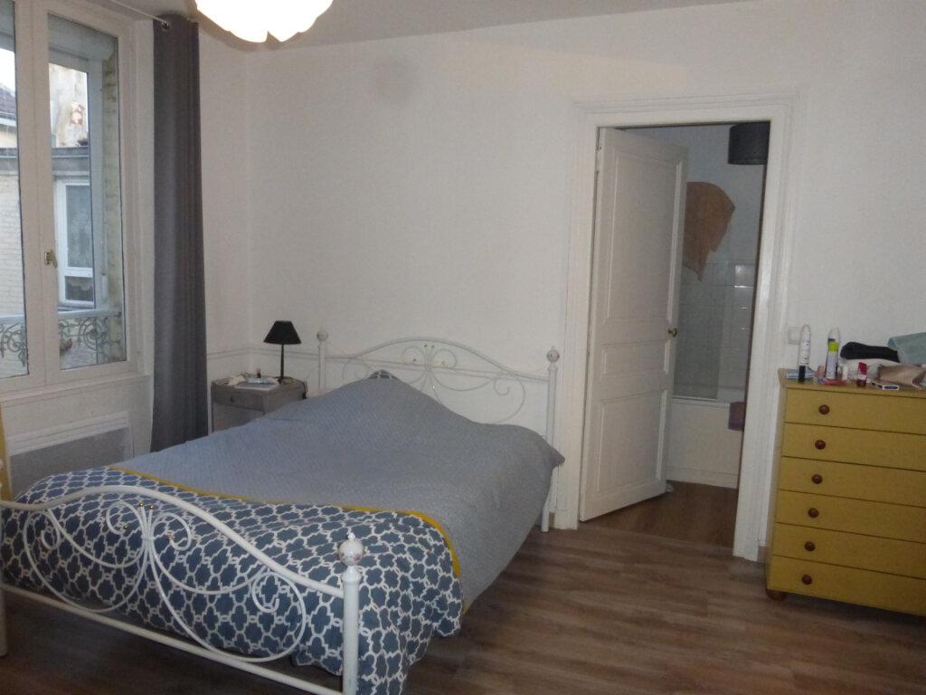 Appartement à louer 2 48.18m2 à Reims vignette-3