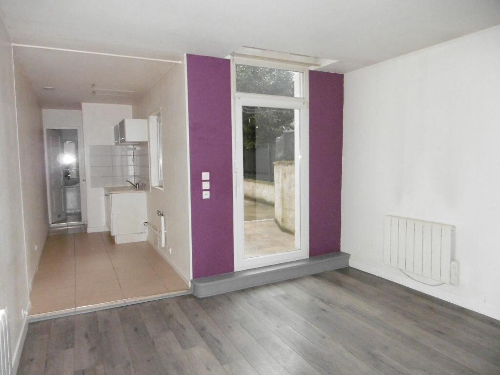 Appartement à louer 2 47.35m2 à Reims vignette-2
