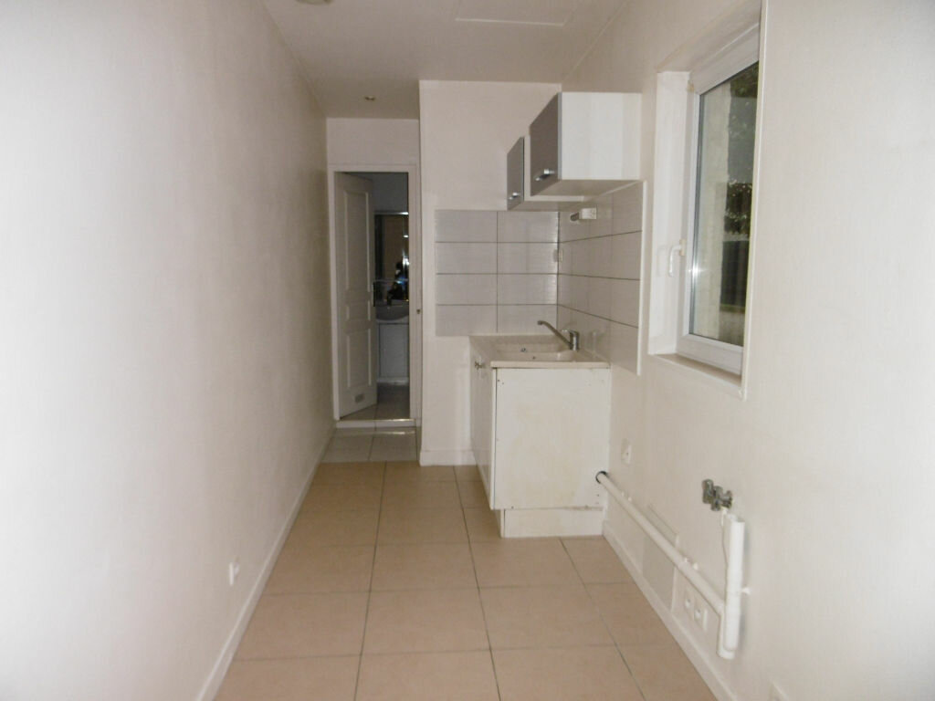 Appartement à louer 2 47.35m2 à Reims vignette-3