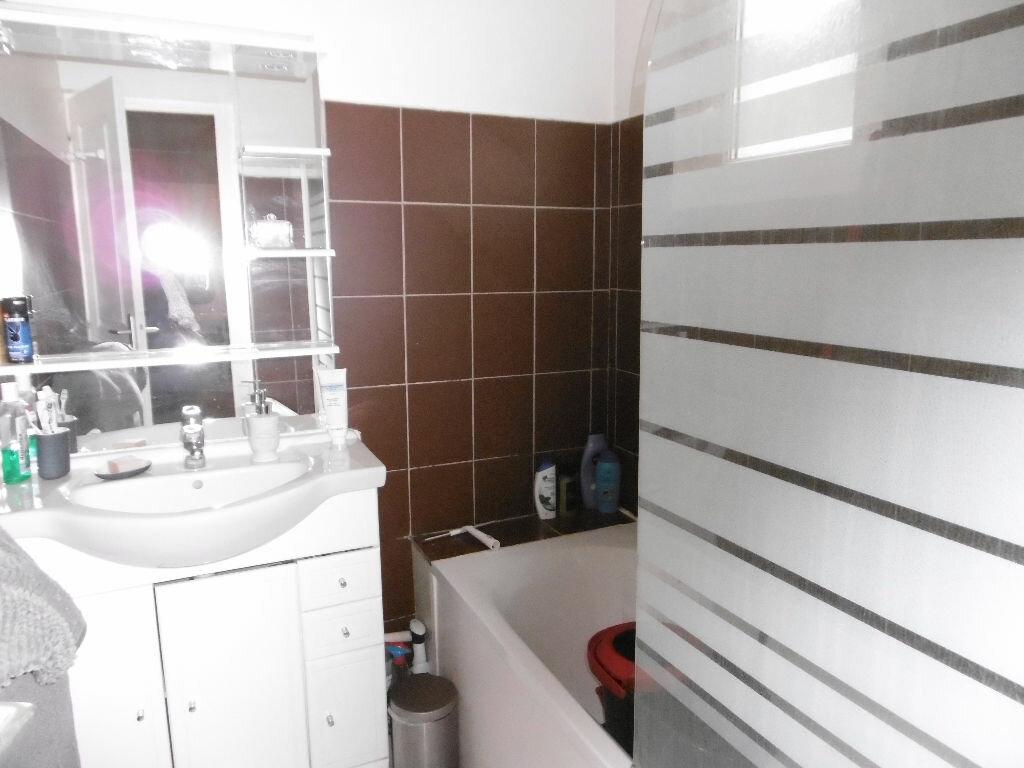 Appartement à louer 2 47.35m2 à Reims vignette-5