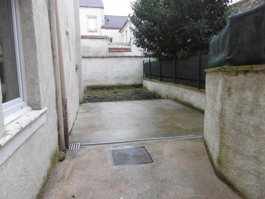 Appartement à louer 2 47.35m2 à Reims vignette-6
