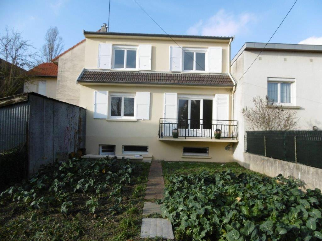 Maison à louer 4 90.99m2 à Reims vignette-1