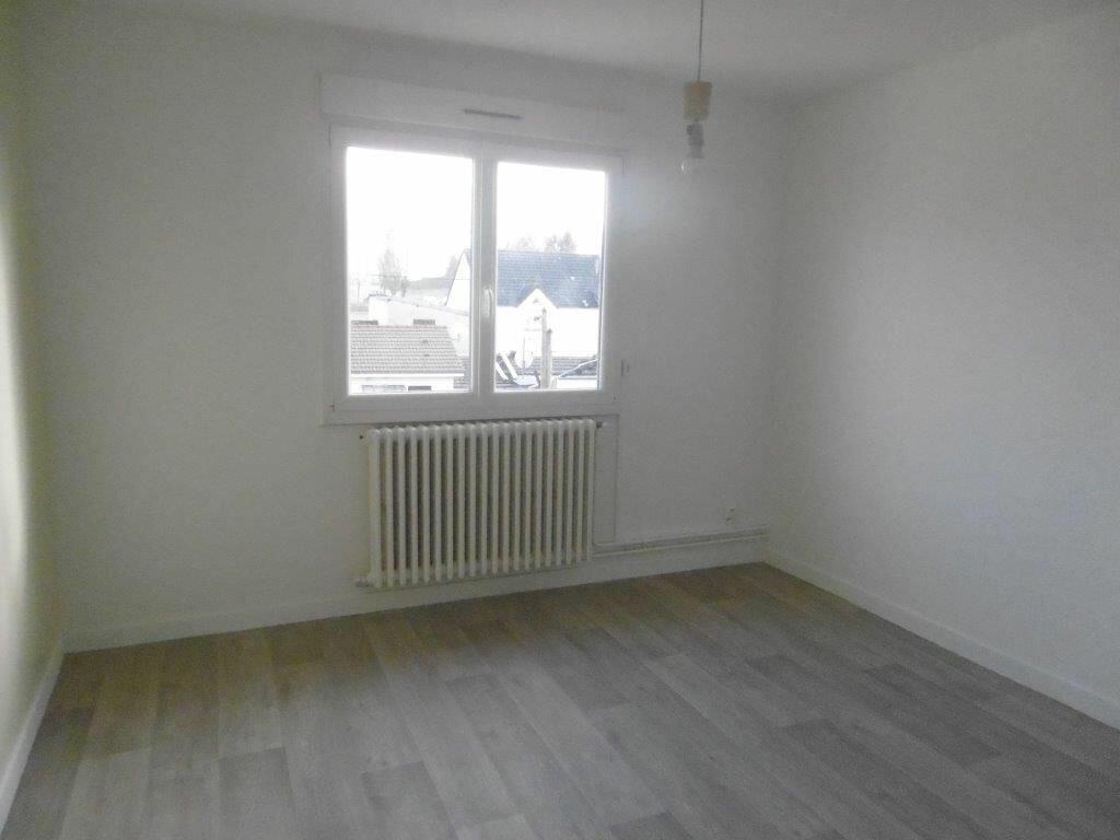 Maison à louer 4 90.99m2 à Reims vignette-5