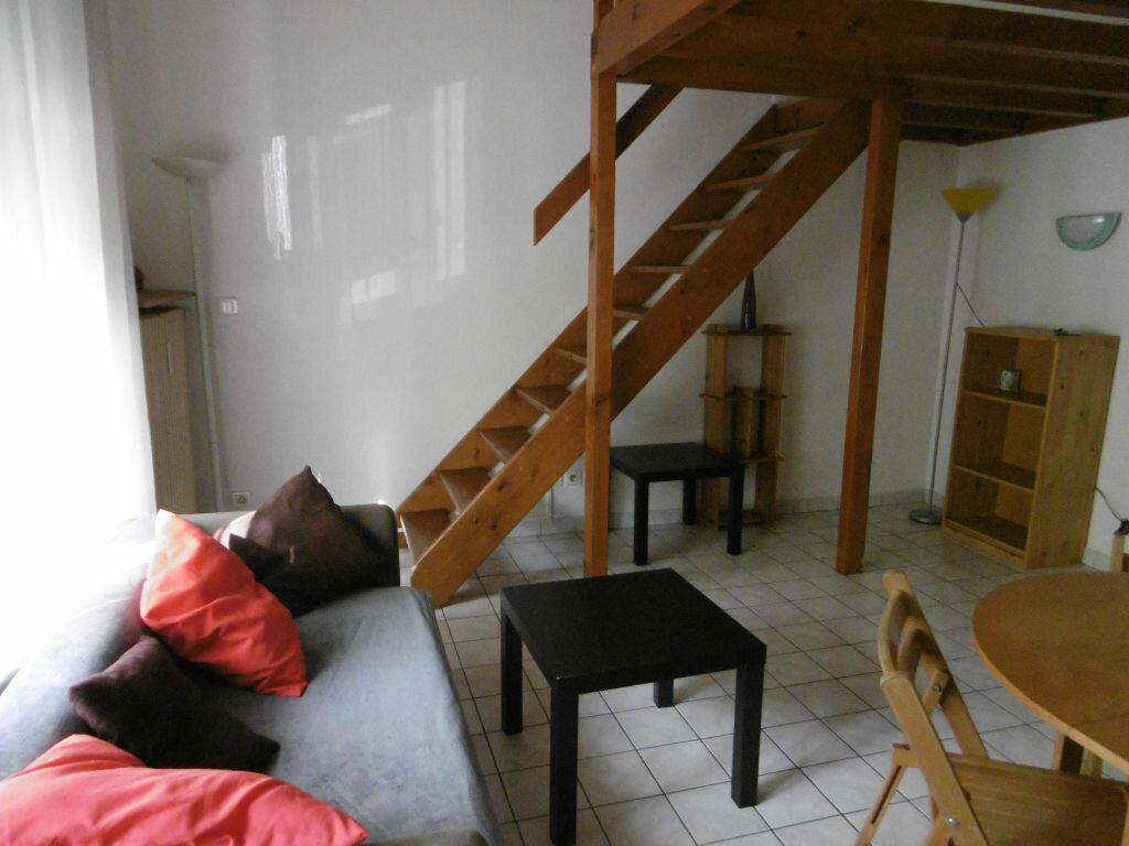 Appartement à louer 1 28.79m2 à Reims vignette-3