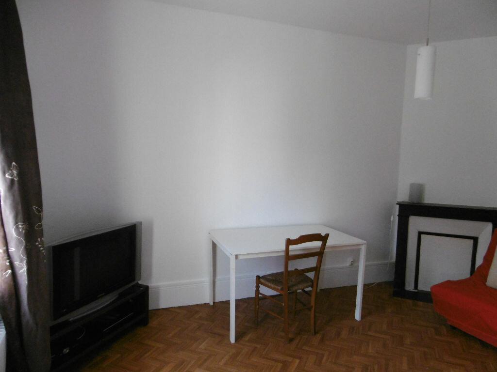 Appartement à louer 1 23.03m2 à Reims vignette-2