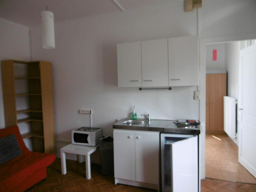 Appartement à louer 1 23.03m2 à Reims vignette-3