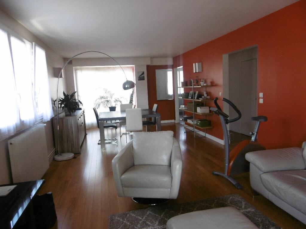 Appartement à louer 4 86.47m2 à Reims vignette-1