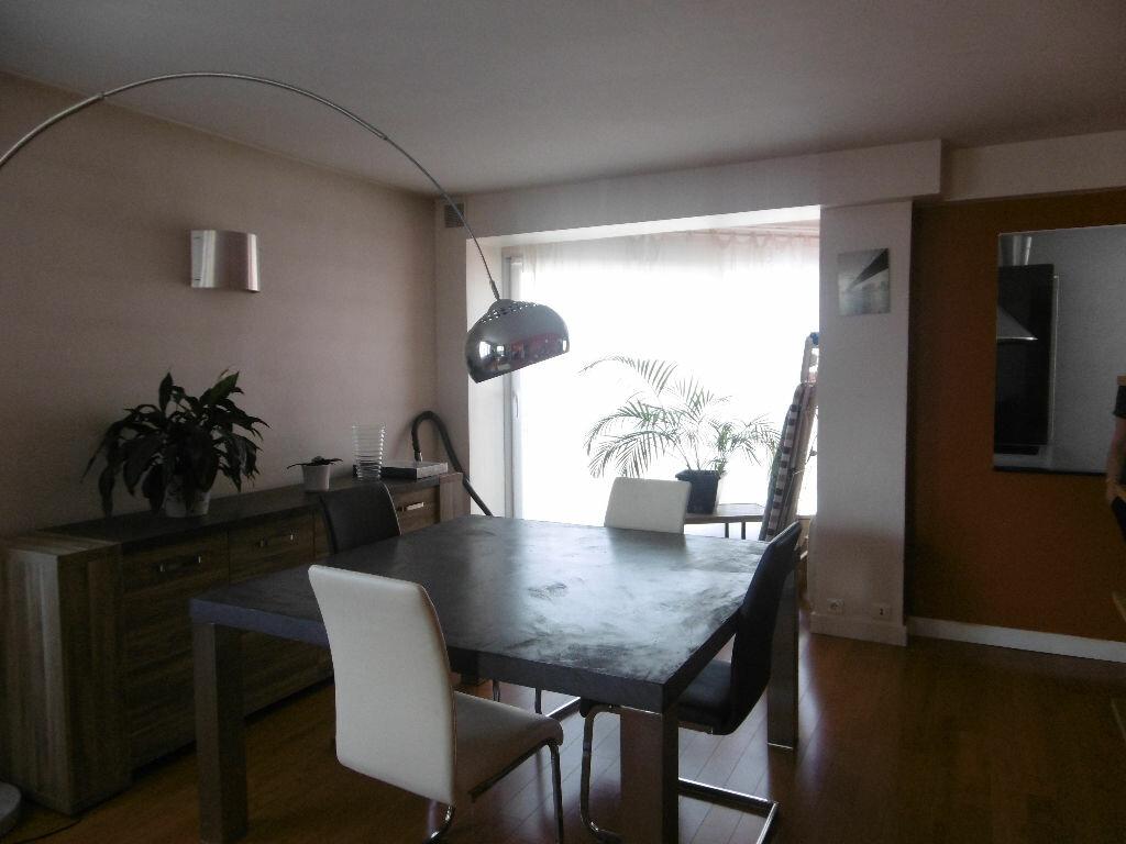 Appartement à louer 4 86.47m2 à Reims vignette-2