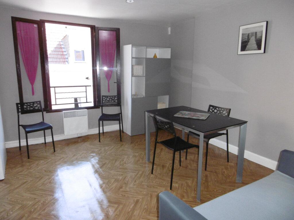Appartement à louer 2 38.11m2 à Reims vignette-2
