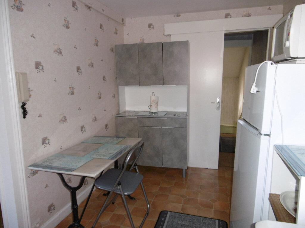 Appartement à louer 2 38.11m2 à Reims vignette-3