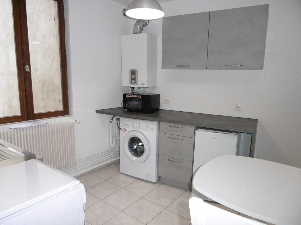 Appartement à louer 2 38.84m2 à Reims vignette-2