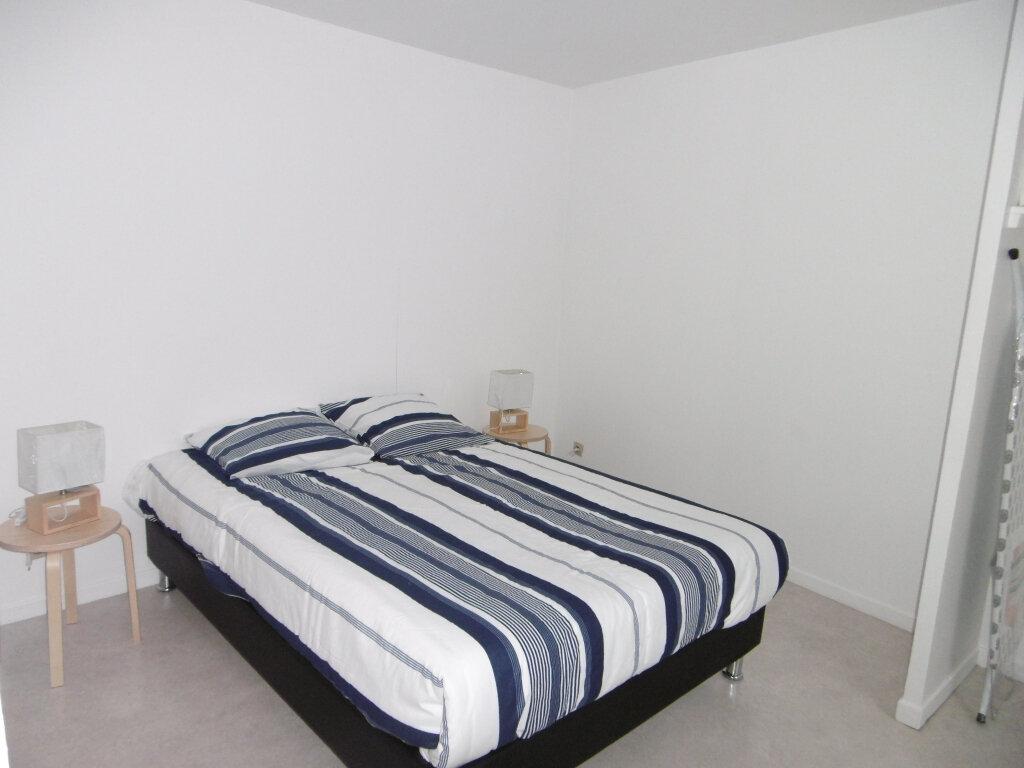 Appartement à louer 2 38.84m2 à Reims vignette-3