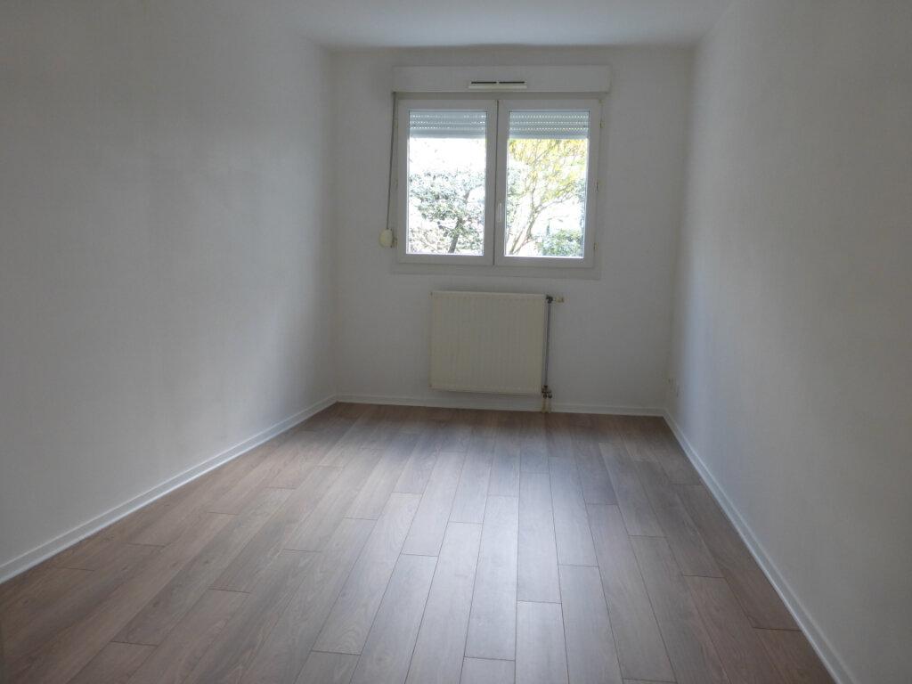 Appartement à louer 3 73.03m2 à Reims vignette-4