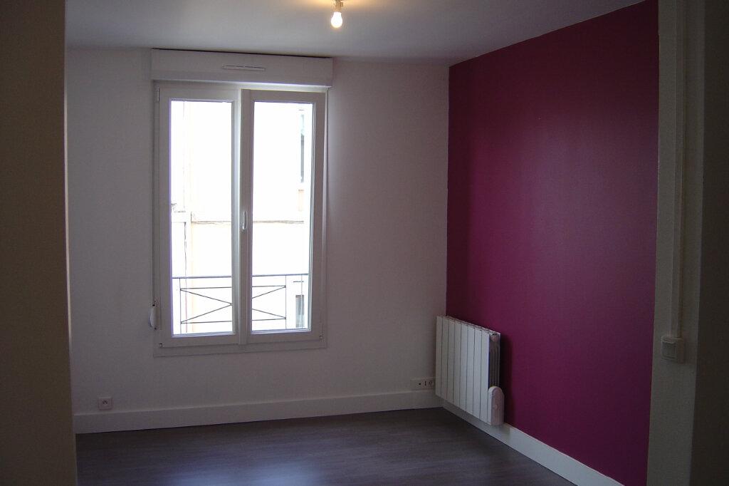 Appartement à louer 2 30.39m2 à Reims vignette-1