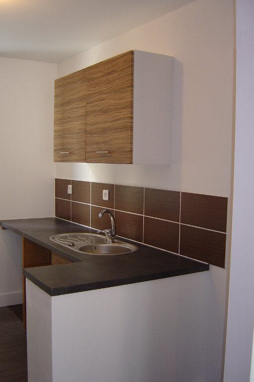Appartement à louer 2 30.39m2 à Reims vignette-2