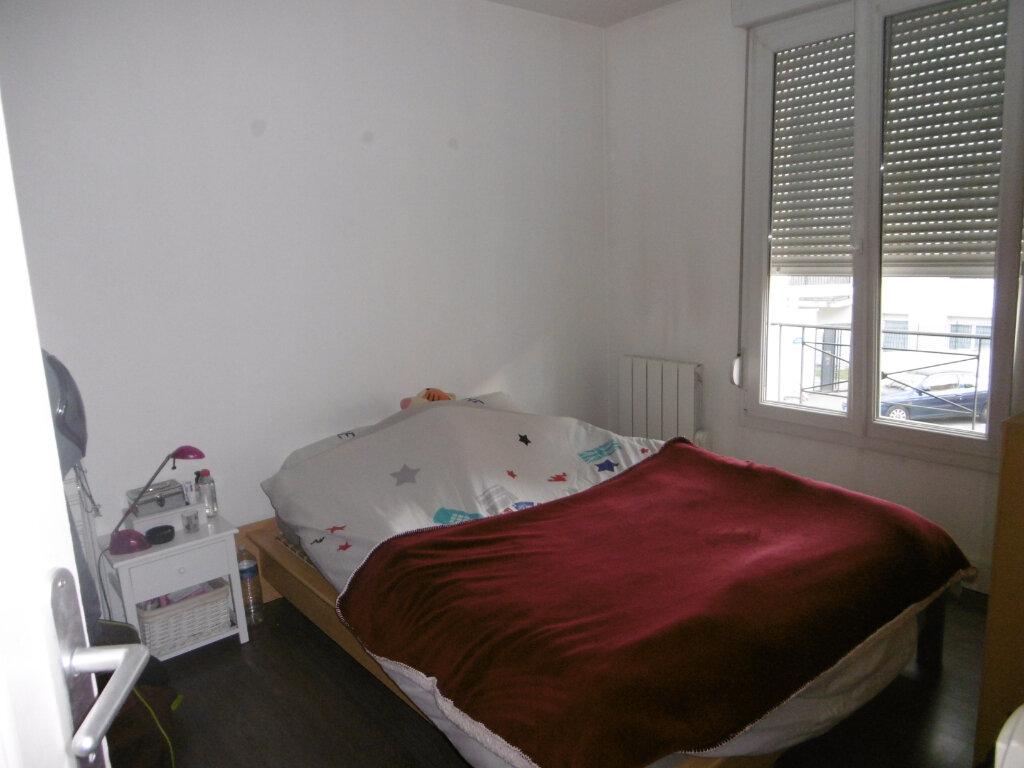 Appartement à louer 2 30.39m2 à Reims vignette-3