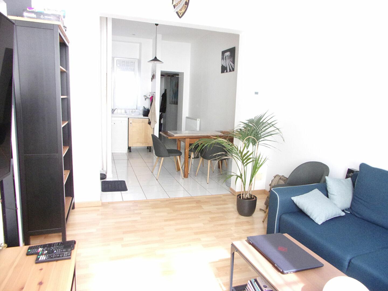 Appartement à louer 3 52.42m2 à Reims vignette-2