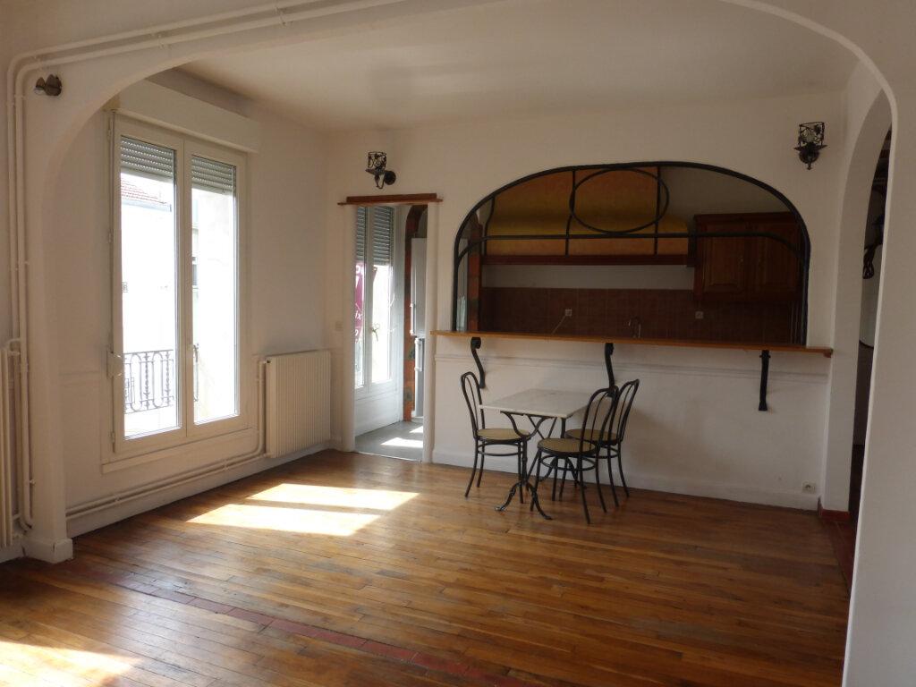 Appartement à louer 3 71.99m2 à Reims vignette-1