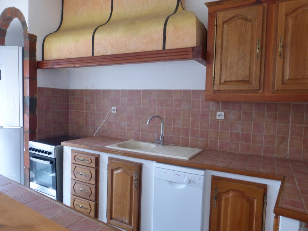Appartement à louer 3 71.99m2 à Reims vignette-2