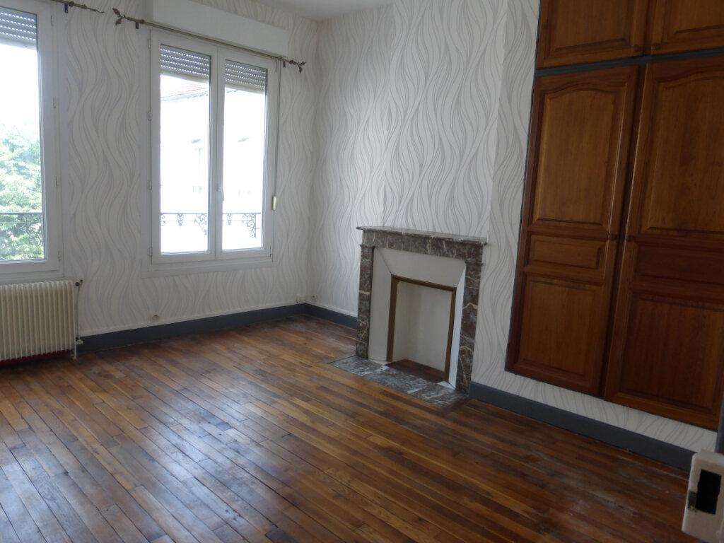Appartement à louer 3 71.99m2 à Reims vignette-3