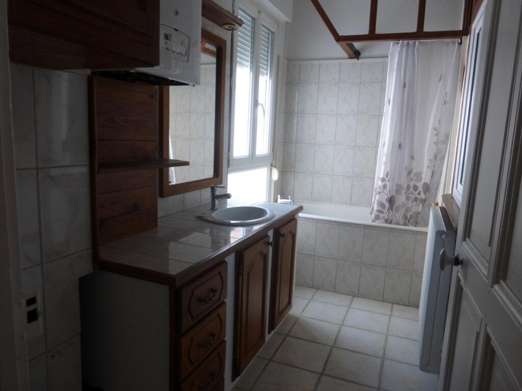 Appartement à louer 3 71.99m2 à Reims vignette-4