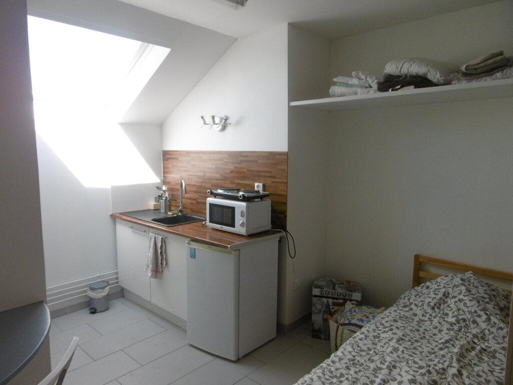 Appartement à louer 1 9.4m2 à Reims vignette-1