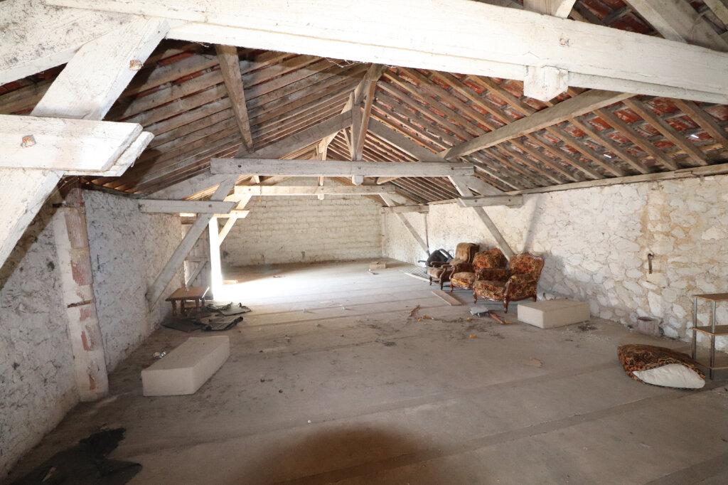 Maison à vendre 5 150m2 à La Neuville-en-Tourne-à-Fuy vignette-7