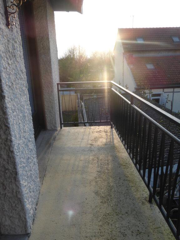 Appartement à louer 5 119.85m2 à Reims vignette-7