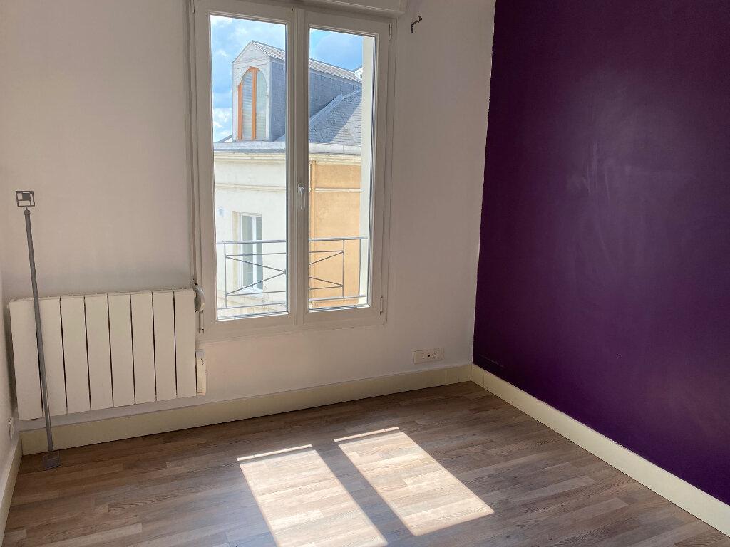 Appartement à louer 2 29.82m2 à Reims vignette-1