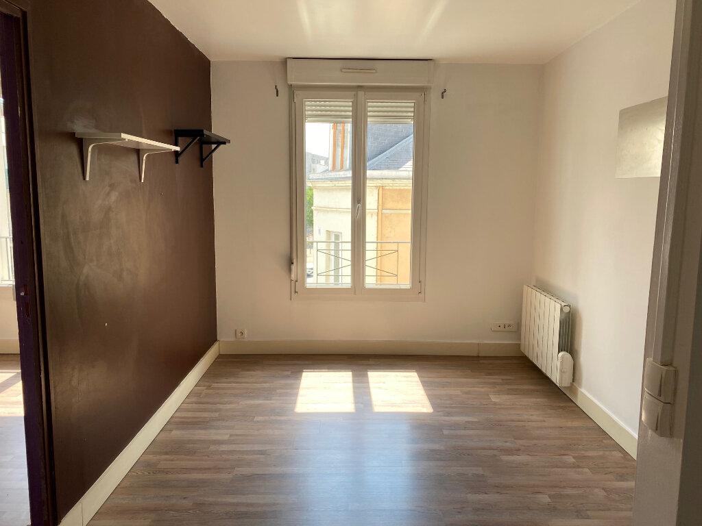 Appartement à louer 2 29.82m2 à Reims vignette-2