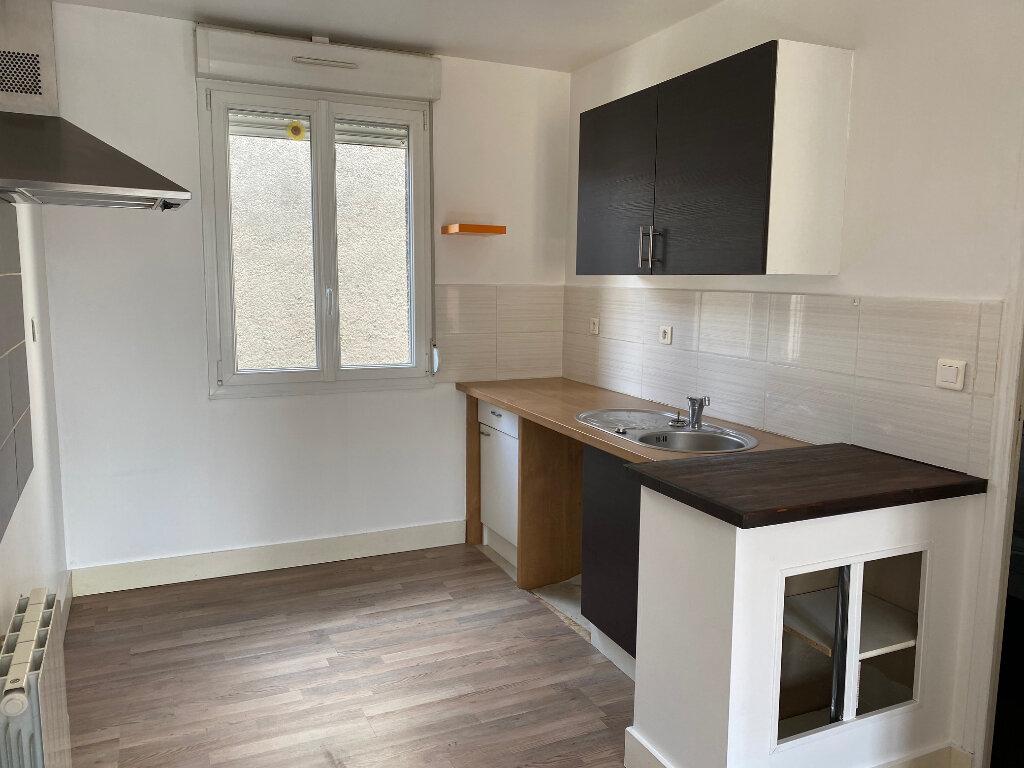 Appartement à louer 2 29.82m2 à Reims vignette-3