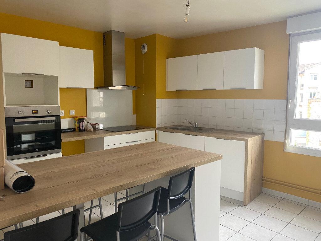Appartement à louer 5 86.58m2 à Reims vignette-1