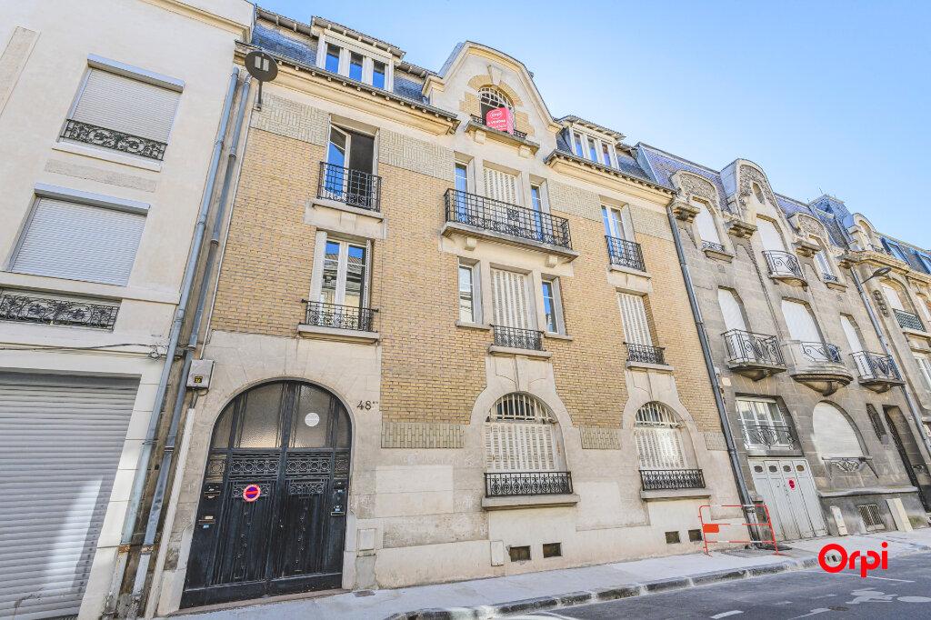 Appartement à vendre 4 89.72m2 à Reims vignette-12