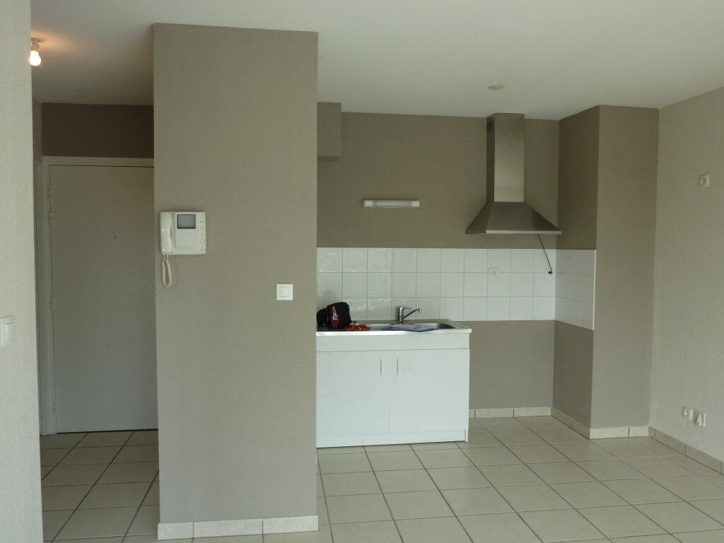 Appartement à louer 2 37.55m2 à Saint-Paul-lès-Dax vignette-2