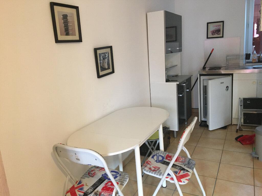 Appartement à louer 1 22m2 à Saint-Paul-lès-Dax vignette-2