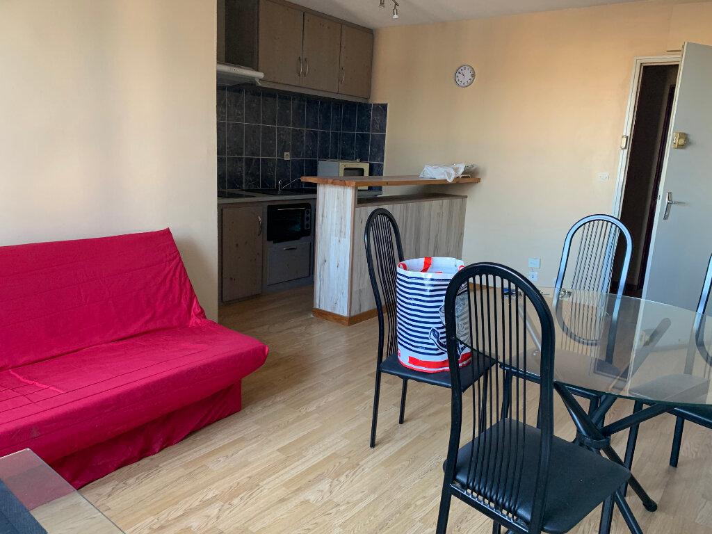 Appartement à louer 1 33m2 à Dax vignette-3