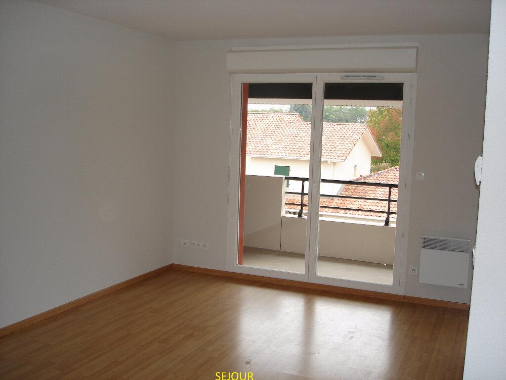 Appartement à louer 2 45.07m2 à Saint-Paul-lès-Dax vignette-2