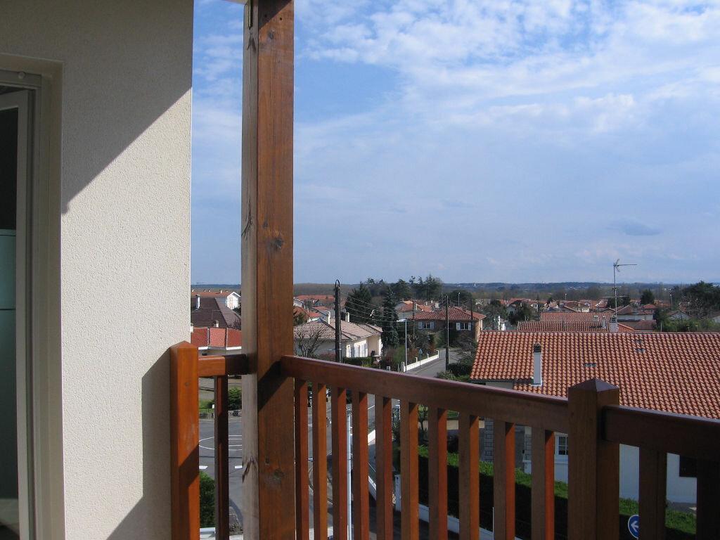 Appartement à louer 2 47.4m2 à Saint-Paul-lès-Dax vignette-1