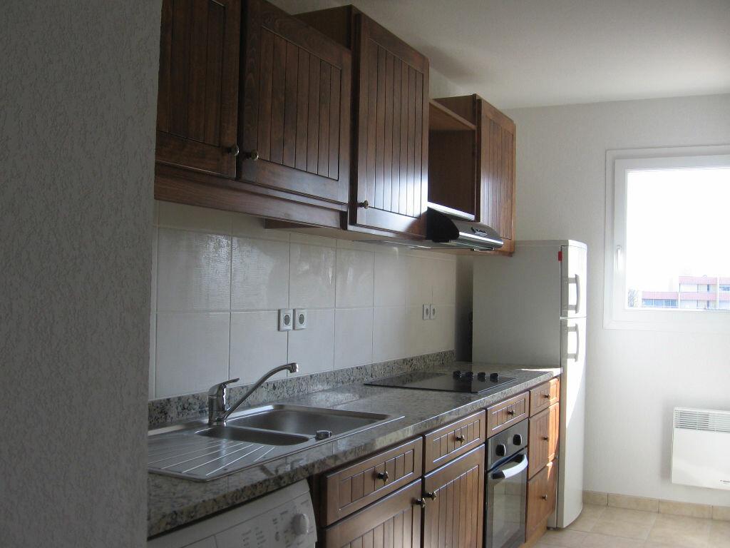 Appartement à louer 2 47.4m2 à Saint-Paul-lès-Dax vignette-2