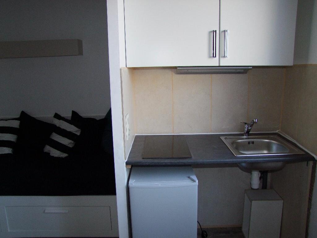 Appartement à louer 1 17m2 à Dax vignette-5
