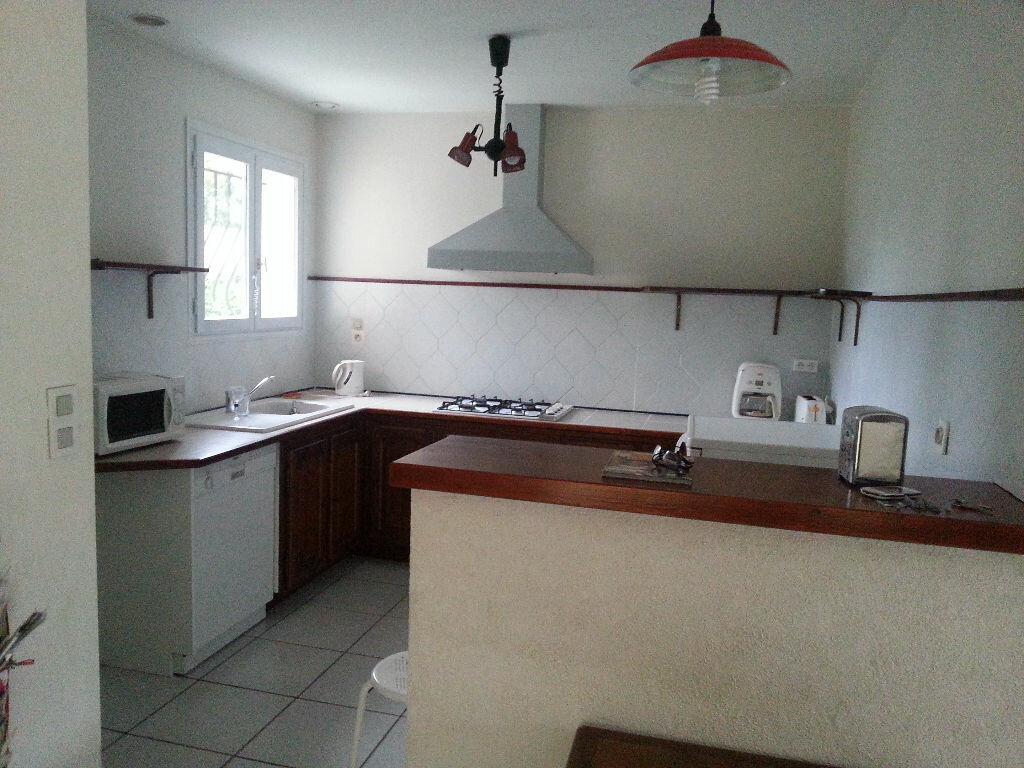 Maison à louer 5 107.47m2 à Saint-Paul-lès-Dax vignette-3