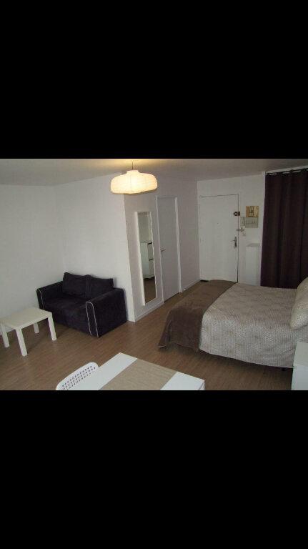 Appartement à louer 1 32.42m2 à Dax vignette-1