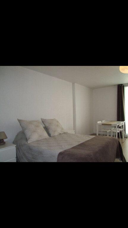 Appartement à louer 1 32.42m2 à Dax vignette-2