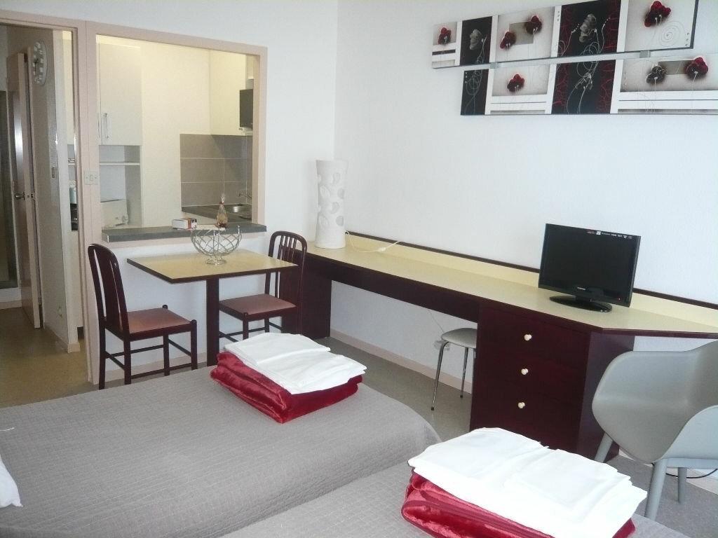 Appartement à louer 1 24m2 à Dax vignette-2