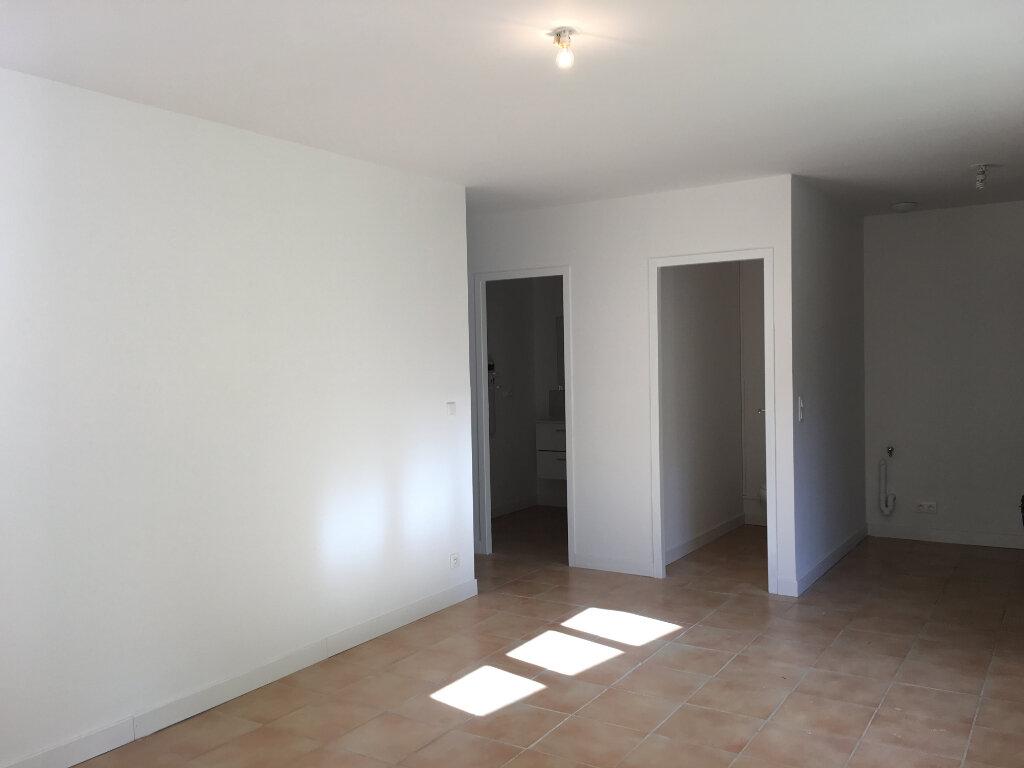 Appartement à louer 3 56m2 à Pouillon vignette-1